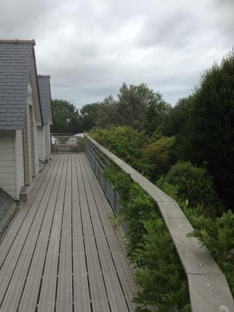 La Canopee des Pins: l'accès aux chambres avec vue sur les pins