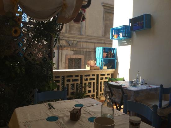 Terrazza della colazione b&b del Castello a San Benedetto Del Tronto ...
