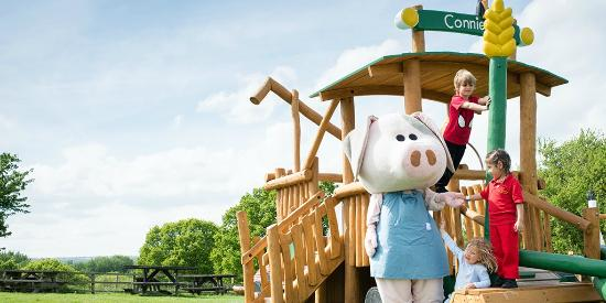 Lee Valley Park Farms: See if you spot Petunia Pig