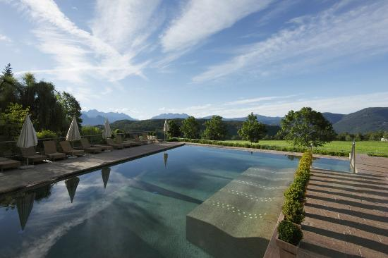 Parkhotel Holzner: Outdoor pool