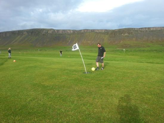 Markavollur Footgolf: Playing the game