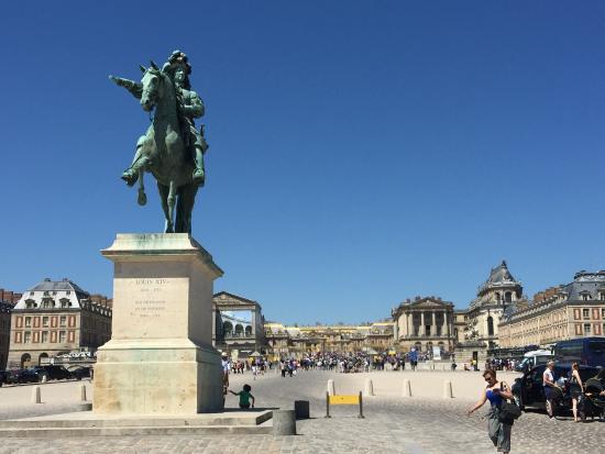 Versailles Express