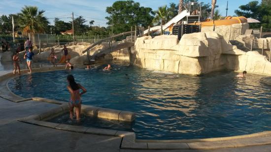La piscine picture of camping la sardane argeles sur for Camping dives sur mer avec piscine