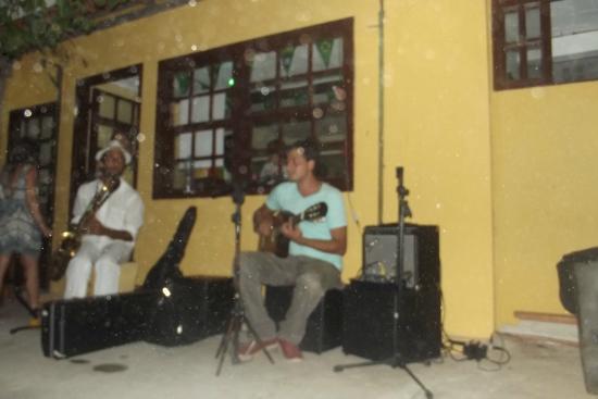 Hostel Lobo Inn : Musica ao vivo