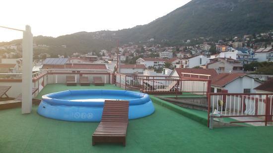 Hotel Pansion Bogumila: Basenik na dachu