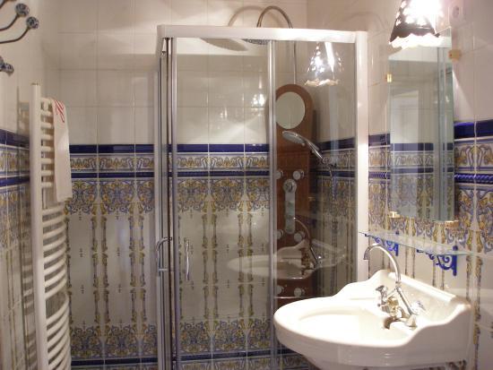 Le Moulin De Laumet : Cabinet toilette