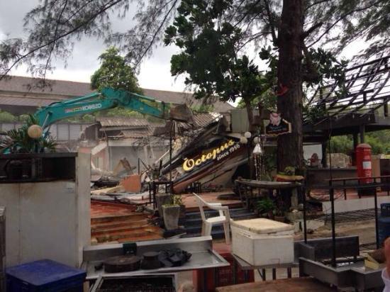 Octopus Restaurant: Restaurant flattened by governement