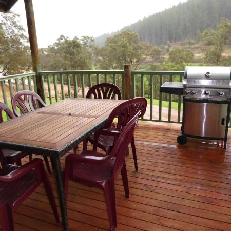 Nannup Valley Chalets: balconey with barbecue