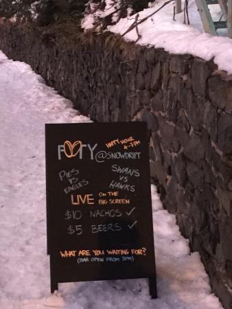 Snowdrift lodge restaurant