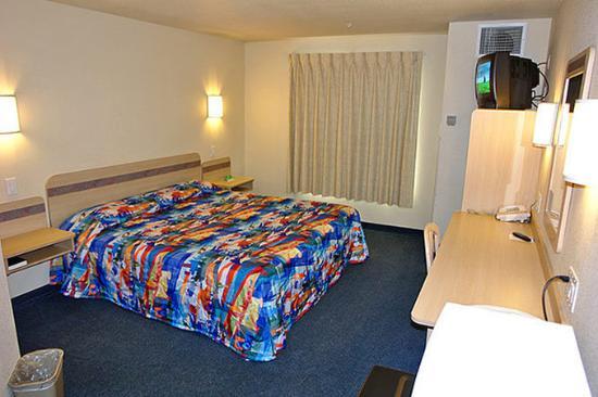 Motel 6 Redmond: MKing