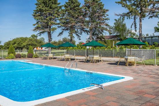 Quality Inn Gran-View: Pool