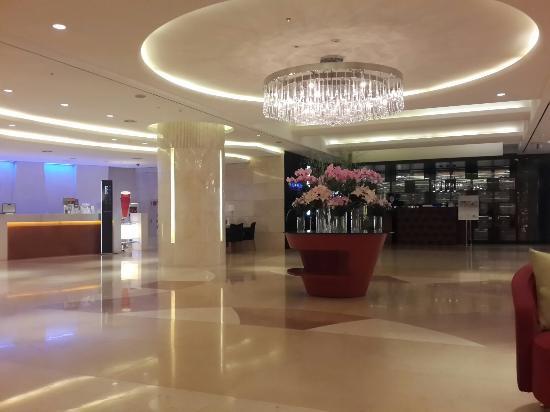 Grand Ambassador Seoul associated with Pullman: The Lobby