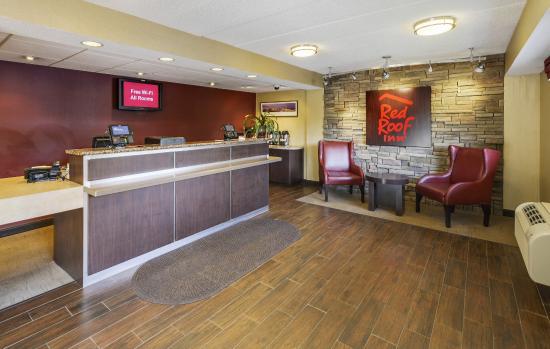 Red Roof Inn - Richmond South: Lobby
