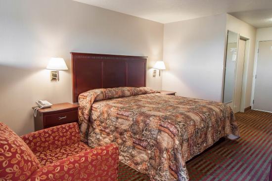 Rodeway Inn & Suites Sublimity: Guest Room