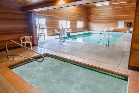 Rodeway Inn & Suites Sublimity: Pool