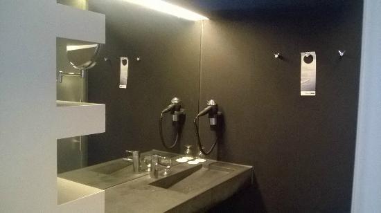 badkamer - Picture of City Resort Hotel Leiden, Leiden - TripAdvisor
