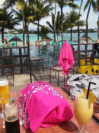 Mauricia Beachcomber Resort & Spa: Piscine