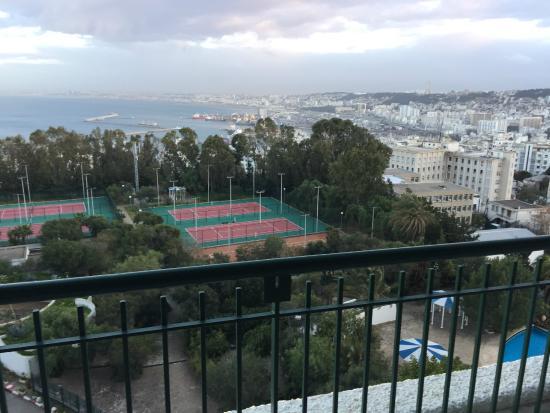 El Aurassi Hotel: la vue de jour