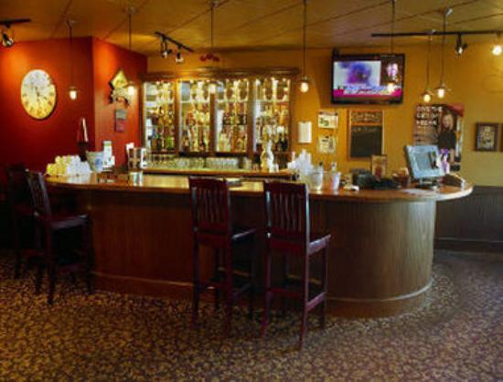 Days Inn - Nanaimo: Restaurant Bar Counter
