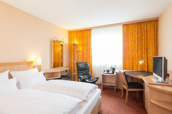 NH Berlin Treptow: Superior Room
