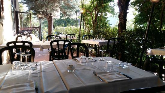 Trattoria Rivabella : Outdoor seating area