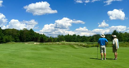 Norton, MA: Approach shot on the par-5 #2