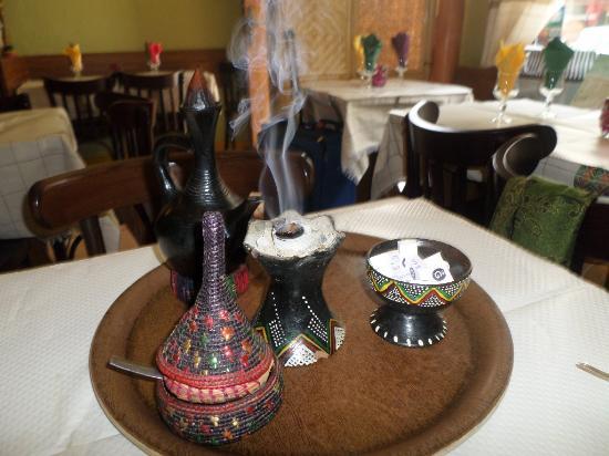 La Reine de Saba: The coffee ceremony is another caption