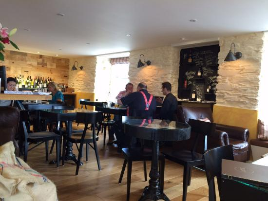 Saltash, UK: Main dining area.