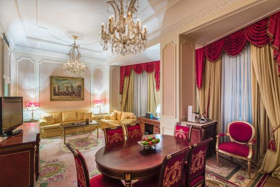 The Bentley London: Royal Suite Living Room