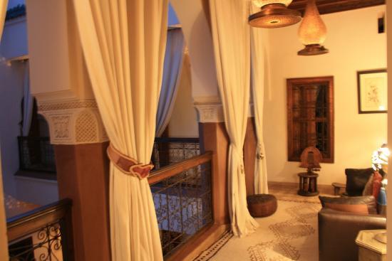 Zamzam Riad: il corridoio che si affaccia sul patio