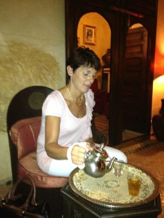 Riad Dama : thee op de begane grond