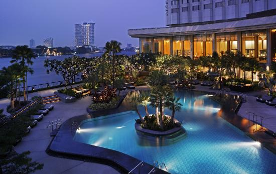 Mercure Hotels Bangkok Suite