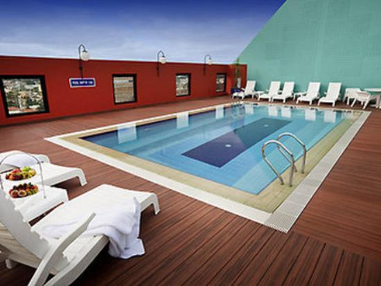 Mercure Perth: Pool