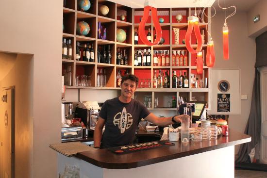 Couby's Café : Friendly owner