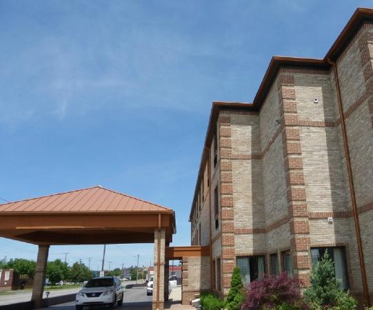 Melvindale, MI: Exterior