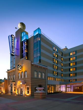โรงแรมมูนไรส์