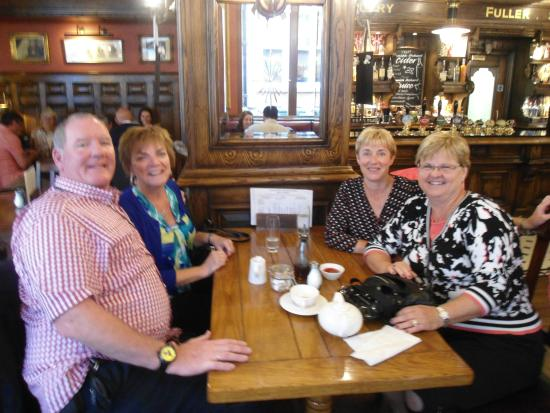 Blue Badge Tours: Lunch with our Tour Guide Brian