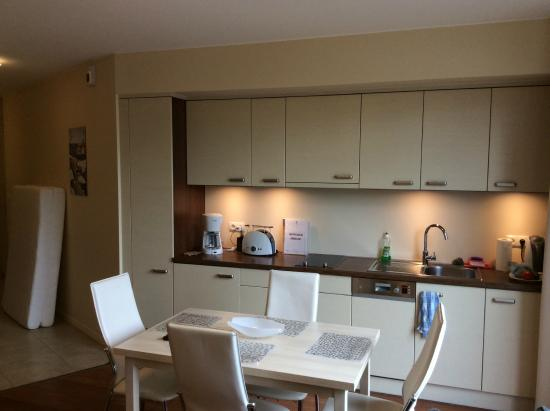 Apart Hotel Gwiazda Morza: The kitchen/dining view