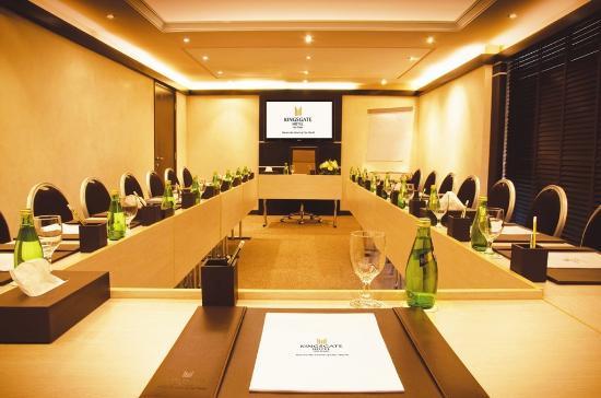 Kingsgate Hotel Abu Dhabi: Meeting