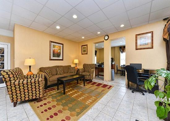 Quality Inn Tullahoma: lobby2