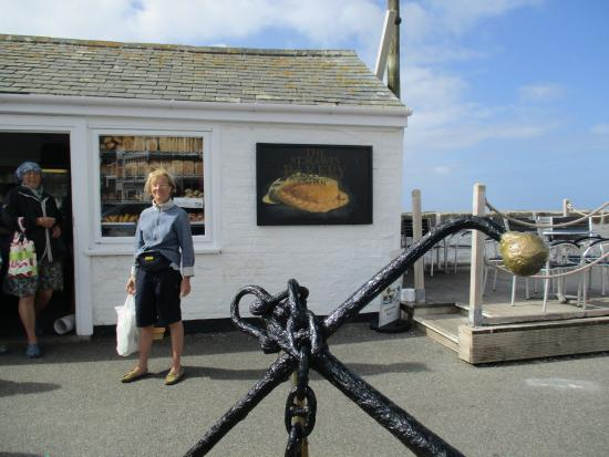 St Mawes Bakery: Get here early to avoid the queues