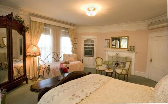 South Pasadena, Калифорния: Master Bedroom
