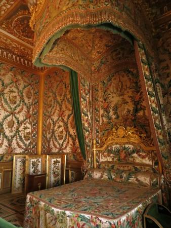 Lit a baldaquin picture of chateau de fontainebleau fontainebleau tripad - Lit baldaquin 140x190 ...