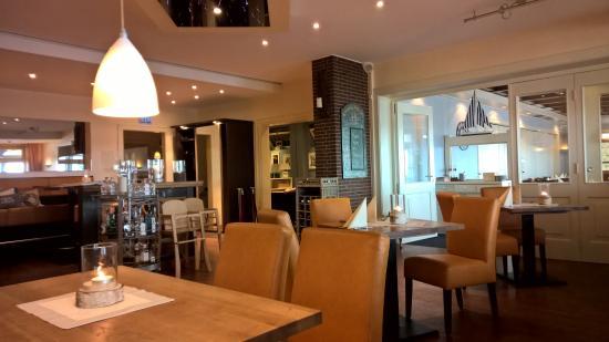 Niendorf, Deutschland: super leckeres Restaurant im Haus