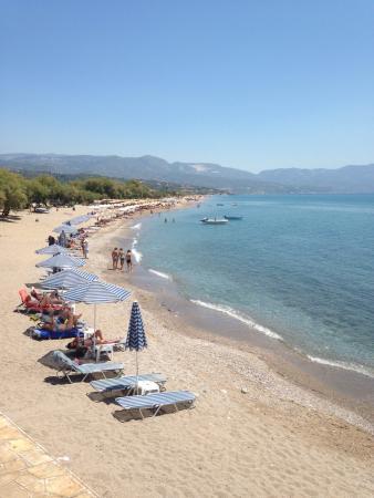 Votsalakia Hotel: Greek mezes at votsalakia tavern and view of the bay
