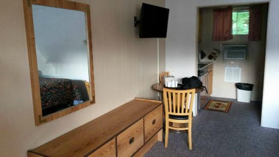 Brookside Motel: Room 10
