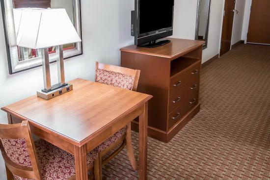Hebron, IN: Guest Room