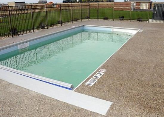 Hebron, IN: Pool