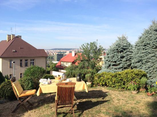 Apartments Granit: breakfast at terrace