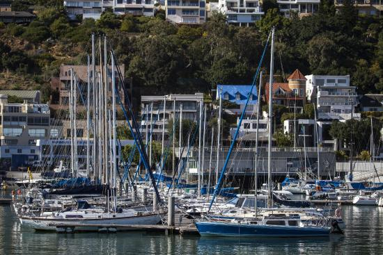 Gordon's Bay, Sør-Afrika: Marina 250m from the Guest House